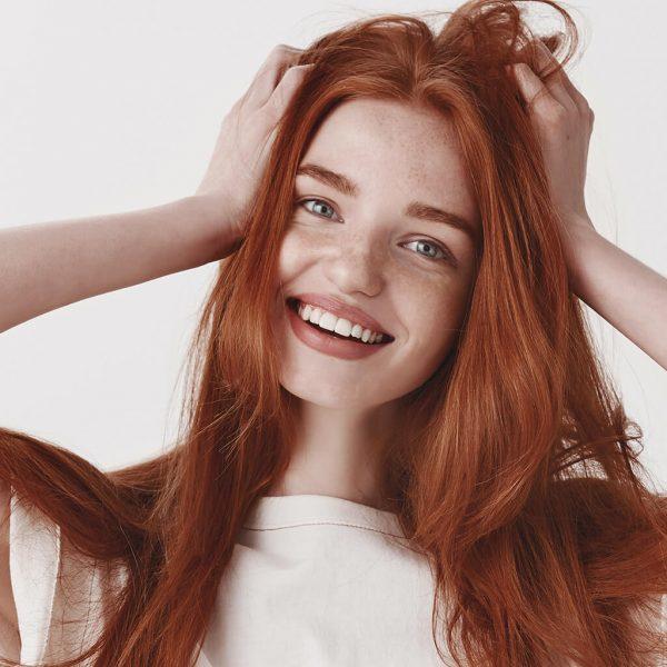 włosy miedziany blond efekt koloryzacji