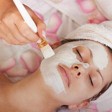 Naturalne kosmetyki – dlaczego warto je stosować